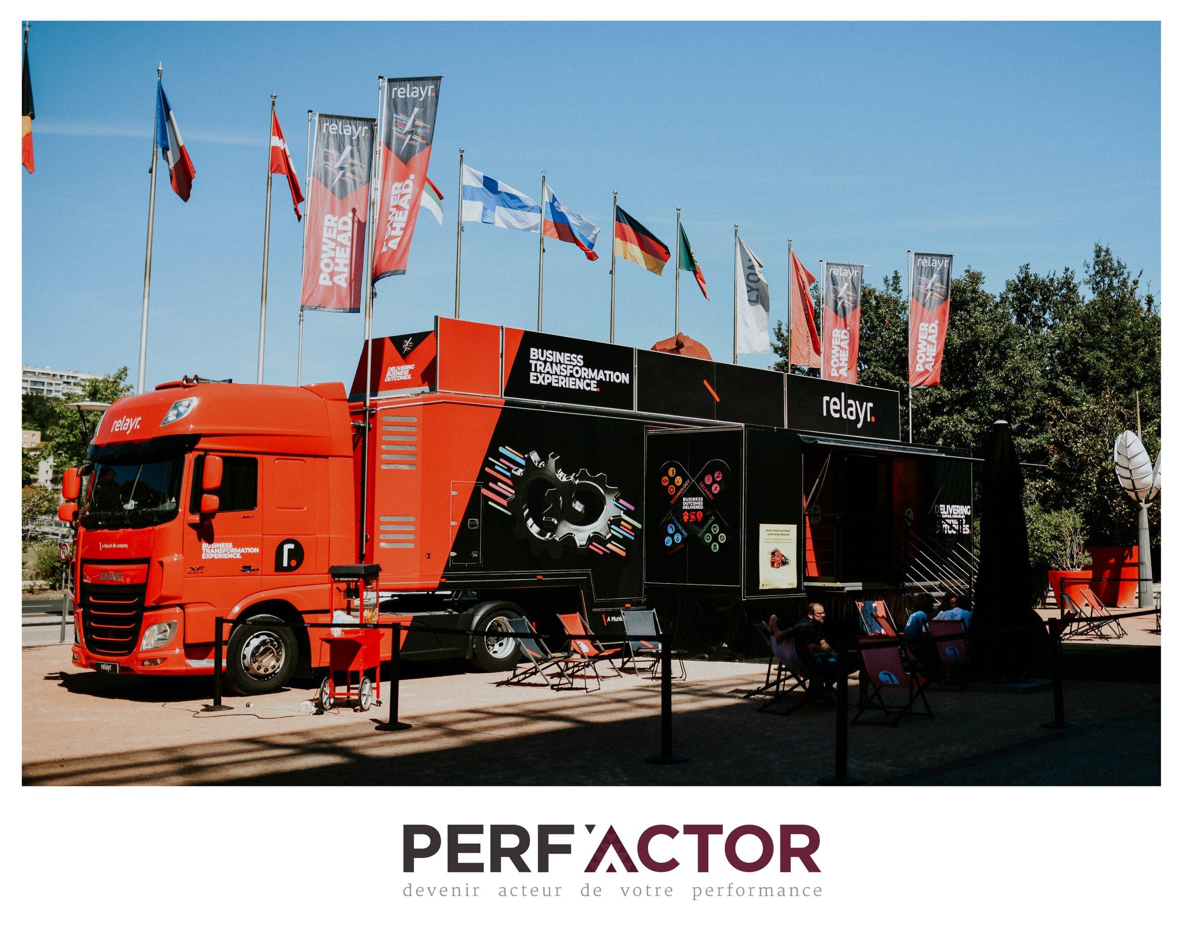 Sur le parvis du Salon SIDO 2020, se tenait l'impressionnant camion de Relayr, et PERF'ACTOR participait à l'évènement.